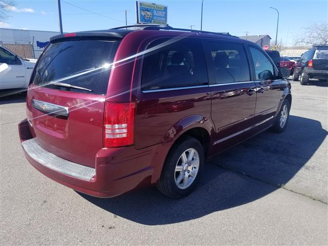 2008 chrysler town & country nada
